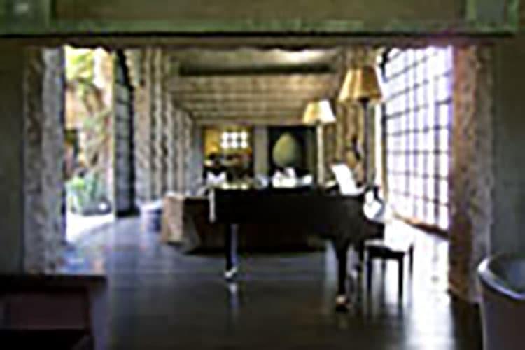 pianoLvingRm