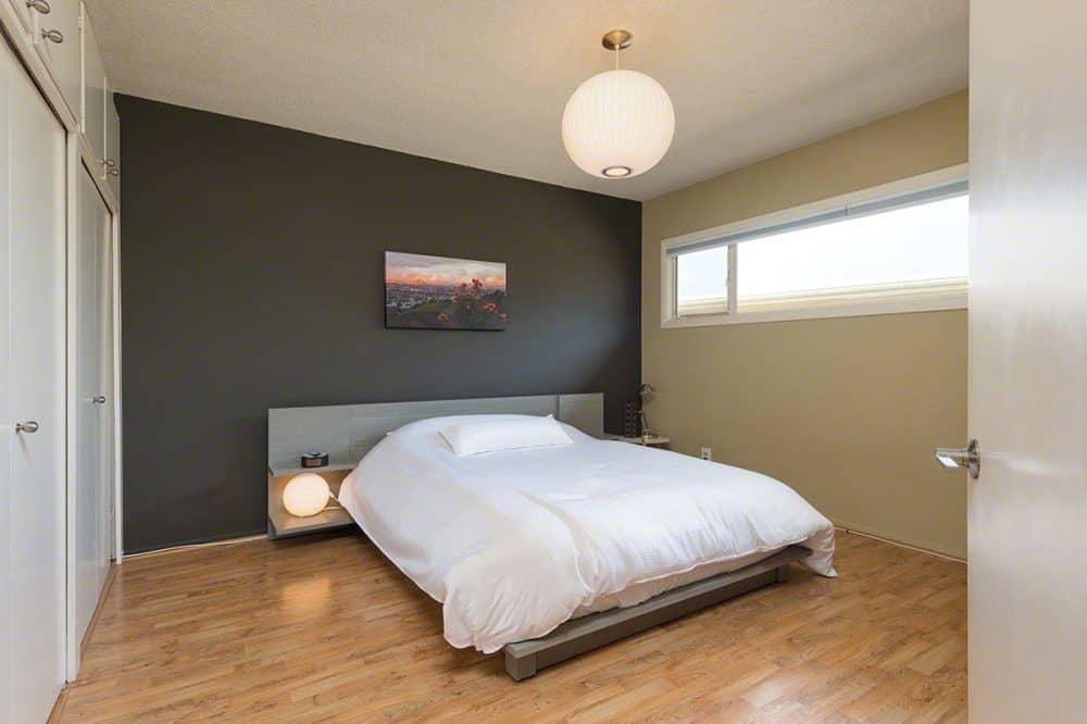 035backbedroom