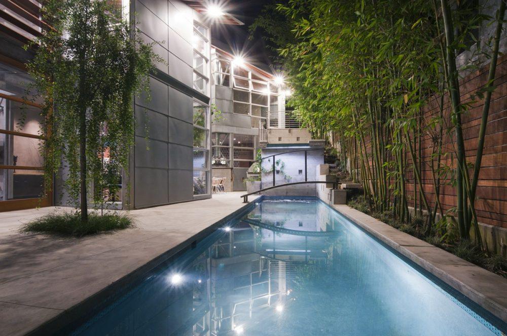700Kingman-Pool&PatiosatNight