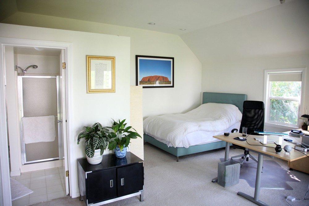 IMG_0547 – 6426 Moore Drive LA 90048 – Guesthouse room