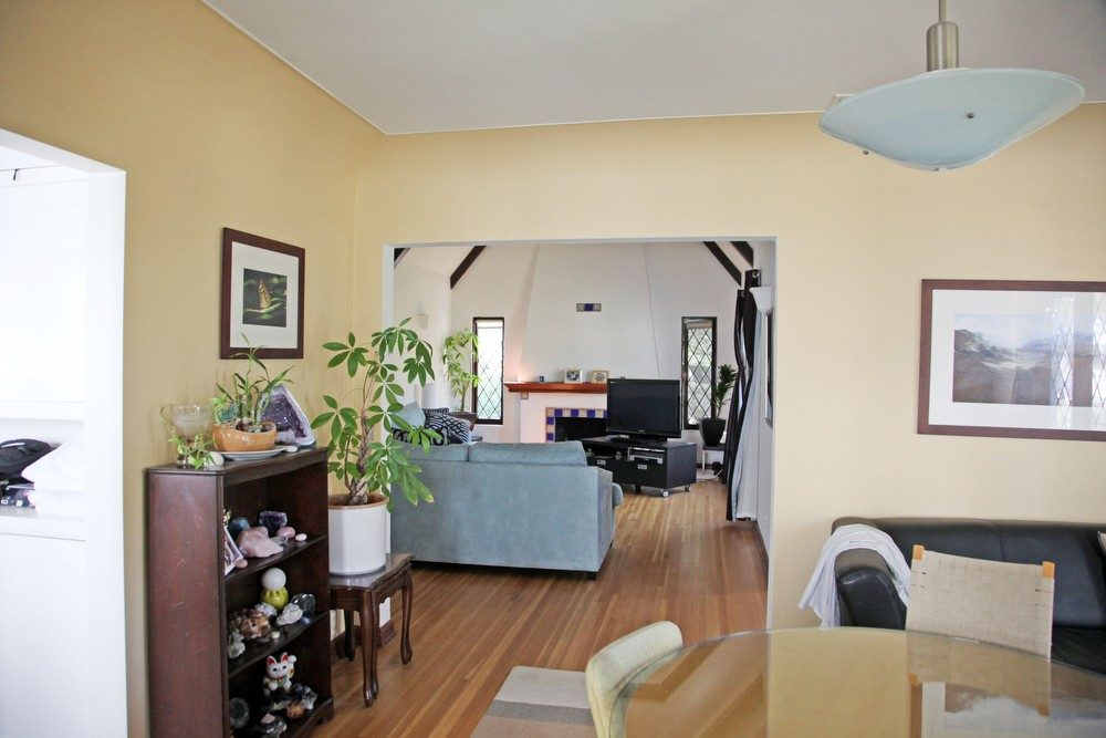 IMG_0579 – 6426 Moore Drive LA 90048 – Dining – Living Room