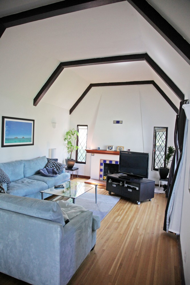 IMG_0581 – 6426 Moore Drive LA 90048 – Living Room