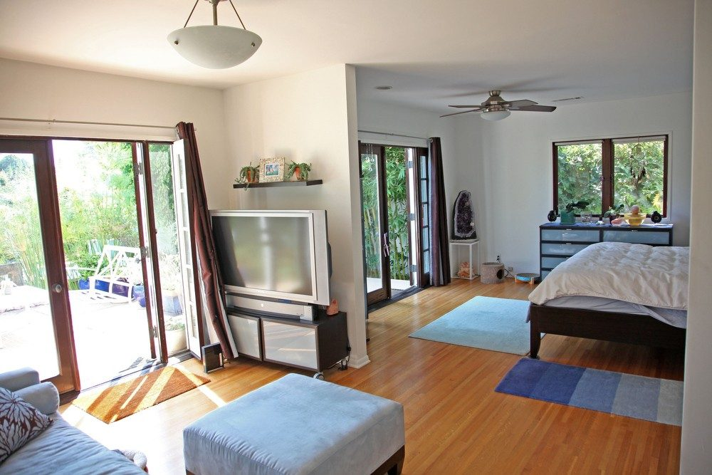 IMG_0610 – 6426 Moore Drive LA 90048 – Master Bedroom