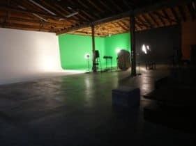 green-screen-studio-1-281×210